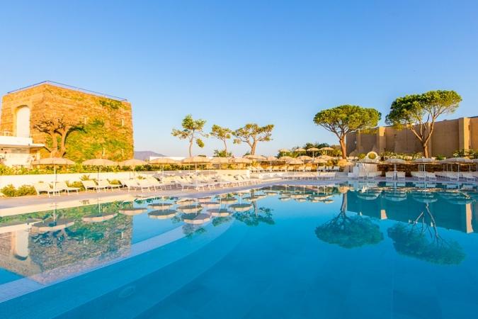 Pollina Resort Nave + Villaggio