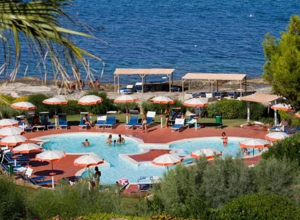 Brucoli Village Nave + Hotel / Villaggio
