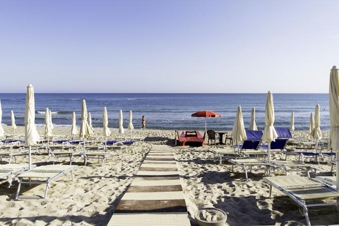 Hotel Club Del Golfo Nave + Hotel / Villaggio