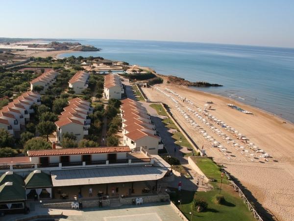 Kamarina Resort Nave + Residence