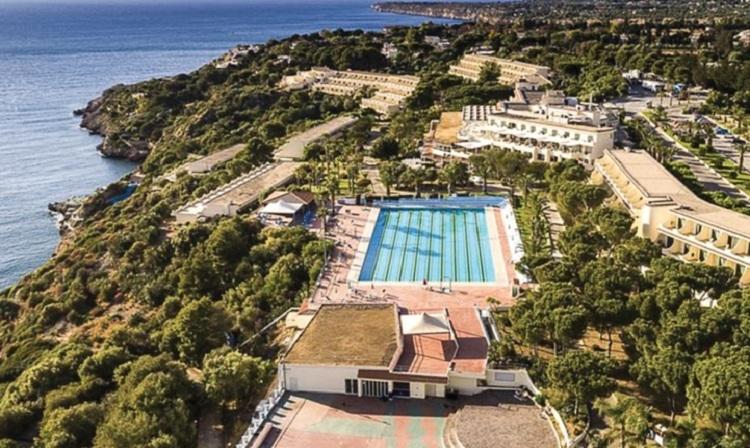 CDS Hotel Terrasini Nave + Hotel / Villaggio
