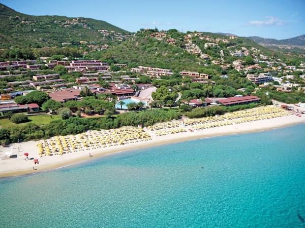 Free Beach Club Nave + Hotel / Villaggio
