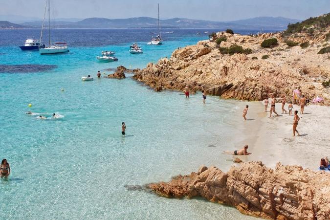 Club Esse Posada Beach Resort Nave + Hotel / Villaggio