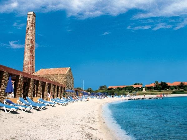 Villaggio Le Tonnare Nave + Hotel / Villaggio
