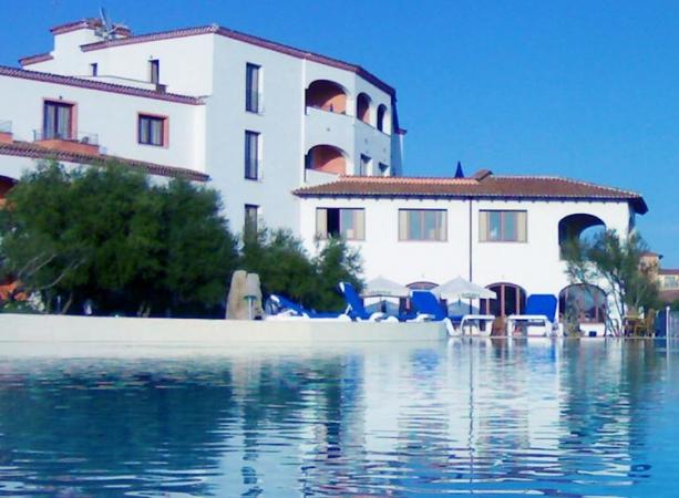 Hotel Alessandro Nave + Hotel / Villaggio