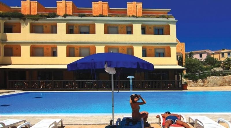 Borgo Saraceno Club Hotel Nave + Hotel / Villaggio